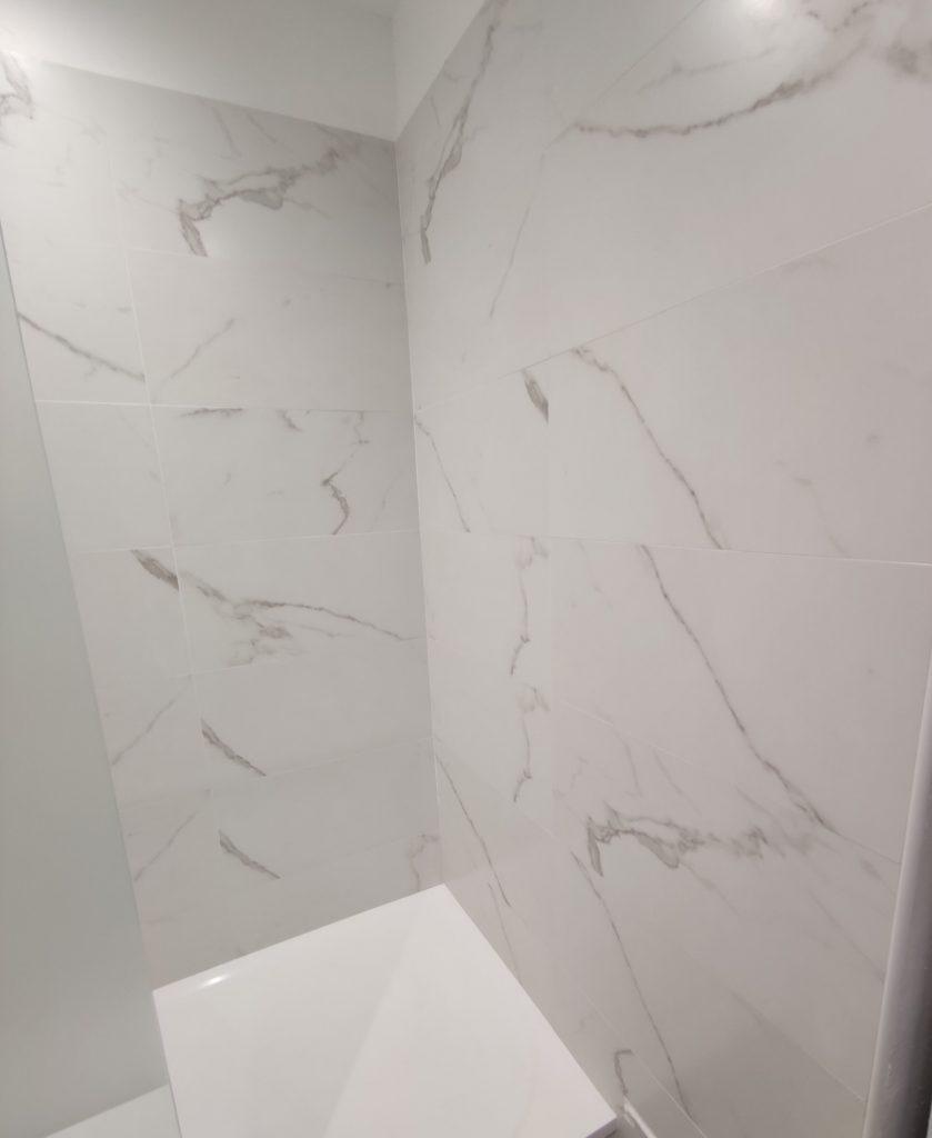 Carrelage mural effet marbre POLARIS 30x90