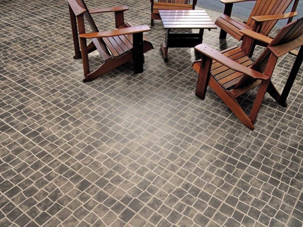 Aveirense Black 33x33 ambiente scaled sur VotreCarrelage.com